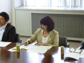 2012年8月 青森県議会訪問 意見交換